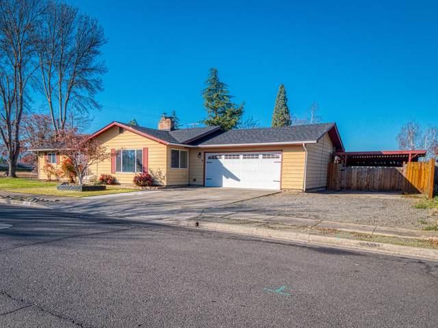 1011 Arroyo Drive, Central Point, OR 97502 (MLS #220113385) :: Coldwell Banker Sun Country Realty, Inc.