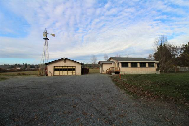 4720 Demaray Drive, Grants Pass, OR 97527 (MLS #220113395) :: Coldwell Banker Sun Country Realty, Inc.
