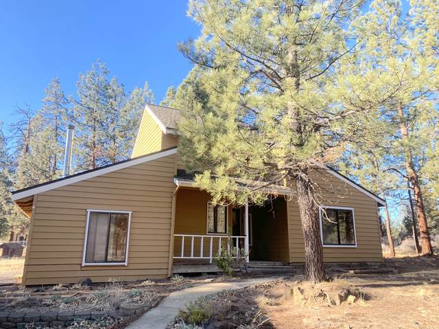 60267 Tall Pine Avenue, Bend, OR 97702 (MLS #220113399) :: Premiere Property Group, LLC