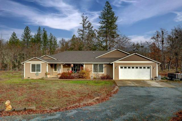 440 Flaming Road, Grants Pass, OR 97526 (MLS #220113438) :: Premiere Property Group, LLC