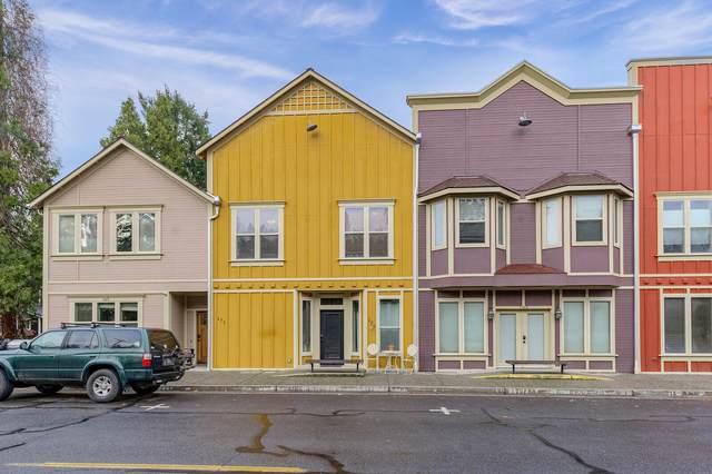 171 E E Street, Jacksonville, OR 97530 (MLS #220113726) :: Premiere Property Group, LLC