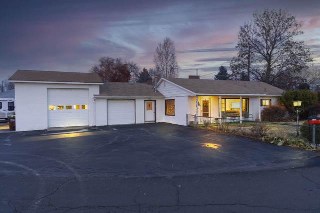 810 NE Crest Drive, Prineville, OR 97754 (MLS #220113830) :: Bend Relo at Fred Real Estate Group
