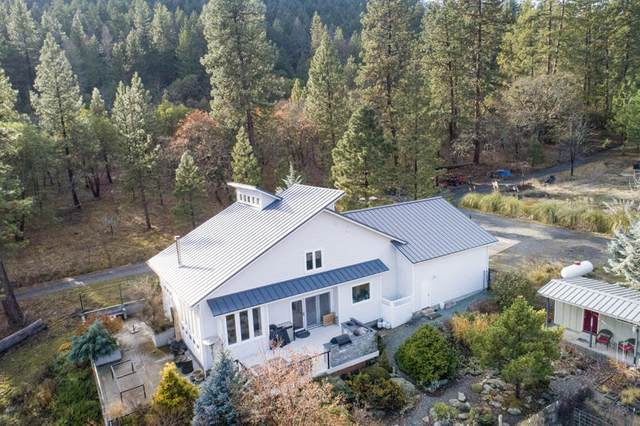 7550 Sterling Creek Road, Jacksonville, OR 97530 (MLS #220113854) :: The Payson Group