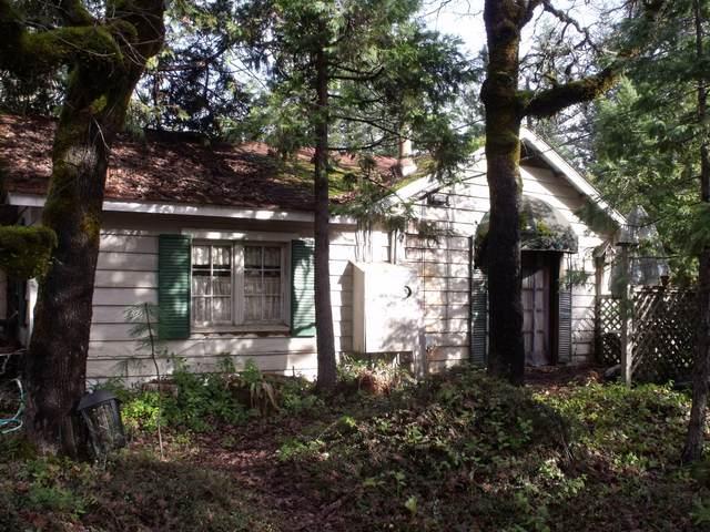 33224 Redwood Highway, O'Brien, OR 97534 (MLS #220114041) :: Premiere Property Group, LLC