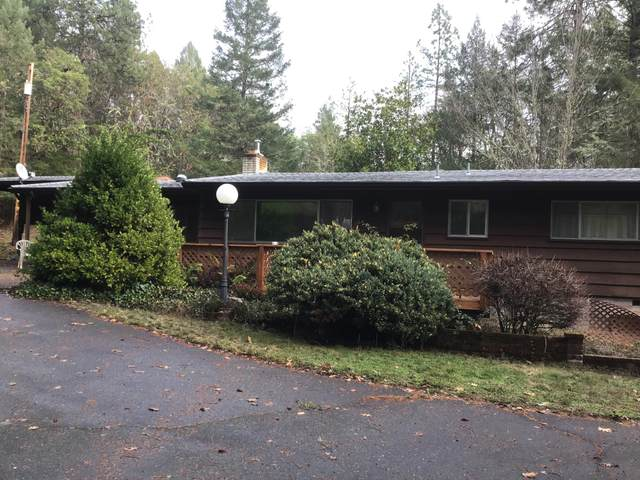 2989 Woodland Park Road, Grants Pass, OR 97527 (MLS #220114176) :: The Payson Group