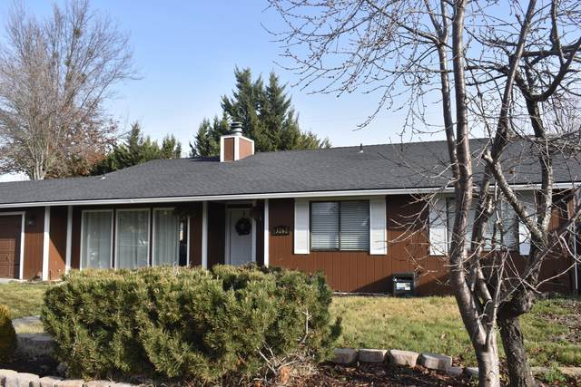 3262 Woodbriar Drive, Medford, OR 97504 (MLS #220114234) :: The Payson Group