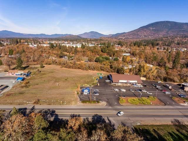 3400 Merlin Road, Grants Pass, OR 97526 (MLS #220114377) :: Premiere Property Group, LLC