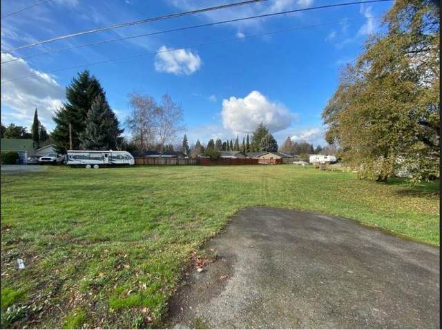 1955 Williams Highway, Grants Pass, OR 97527 (MLS #220114433) :: The Payson Group