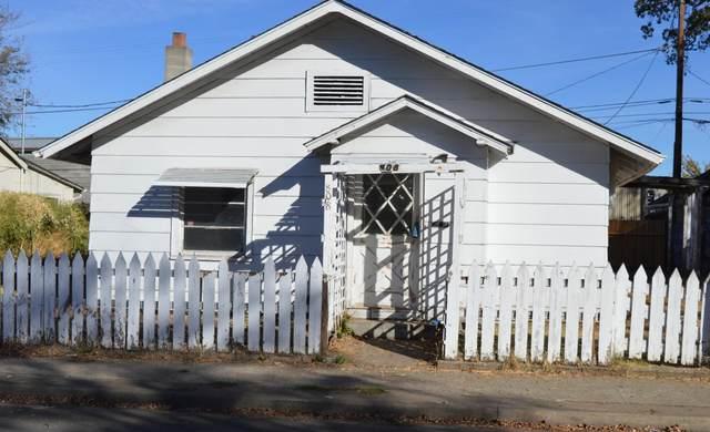 808 Cedar Street, Medford, OR 97501 (MLS #220114779) :: Premiere Property Group, LLC