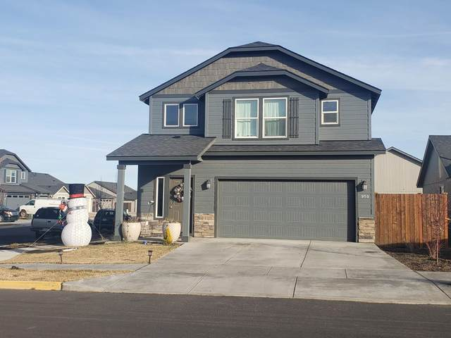 950 NW 26th Way, Redmond, OR 97756 (MLS #220114782) :: Bend Relo at Fred Real Estate Group