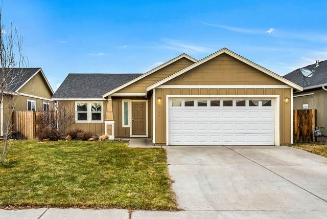 3163 SW Peridot Avenue, Redmond, OR 97756 (MLS #220114821) :: The Ladd Group