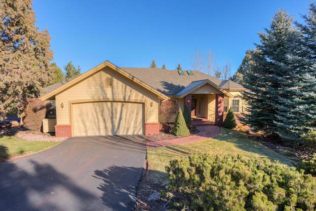 844 Yosemite Falls Drive, Redmond, OR 97756 (MLS #220114836) :: Berkshire Hathaway HomeServices Northwest Real Estate