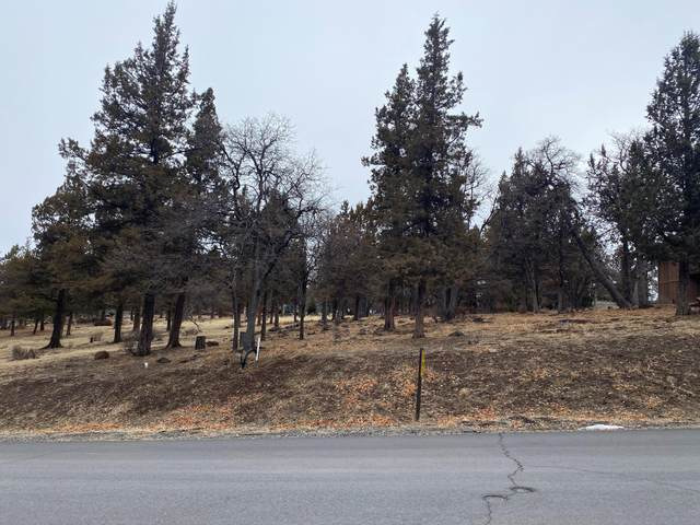 Coopers Hawk Road Lot 260, Klamath Falls, OR 97601 (MLS #220114847) :: Berkshire Hathaway HomeServices Northwest Real Estate