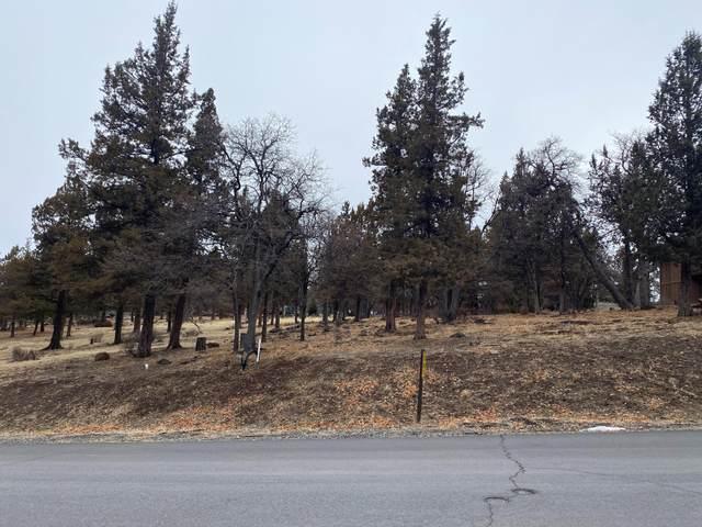 Coopers Hawk Road Lot 260, Klamath Falls, OR 97601 (MLS #220114847) :: Premiere Property Group, LLC