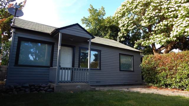 1020 W 12th Street, Medford, OR 97501 (MLS #220114924) :: FORD REAL ESTATE