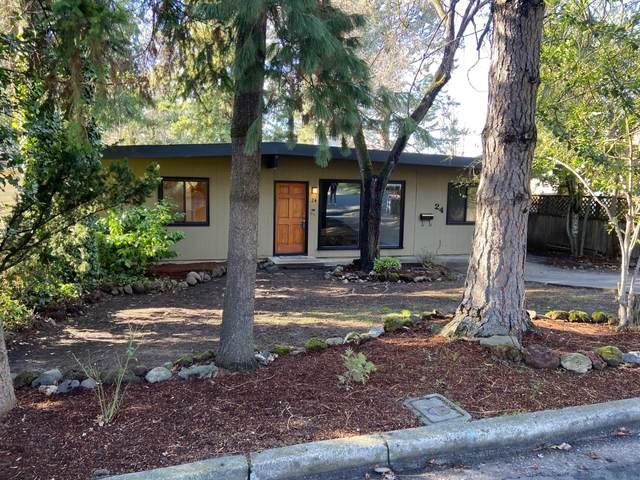 24 Eastwood Drive, Medford, OR 97504 (MLS #220114925) :: FORD REAL ESTATE