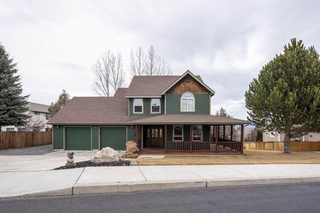 3825 SW Summit Avenue, Redmond, OR 97756 (MLS #220114937) :: Premiere Property Group, LLC