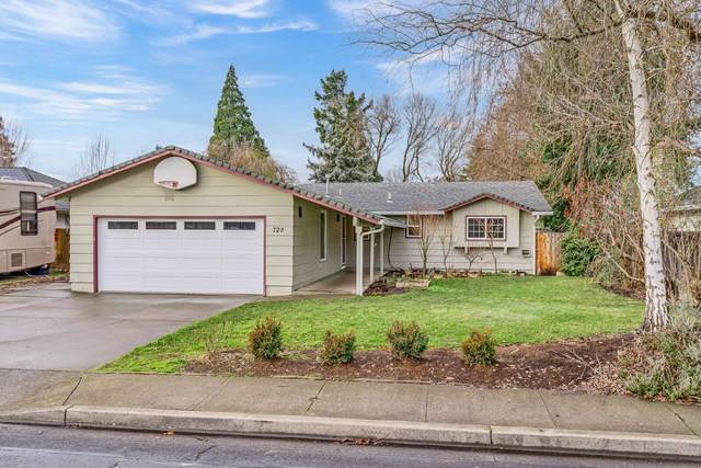 720 Freeman Road, Central Point, OR 97502 (MLS #220114967) :: The Payson Group