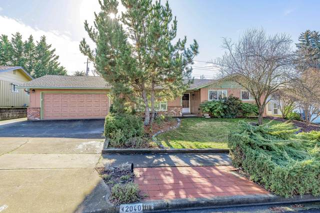 2040 Hybiscus Street, Medford, OR 97504 (MLS #220114968) :: FORD REAL ESTATE