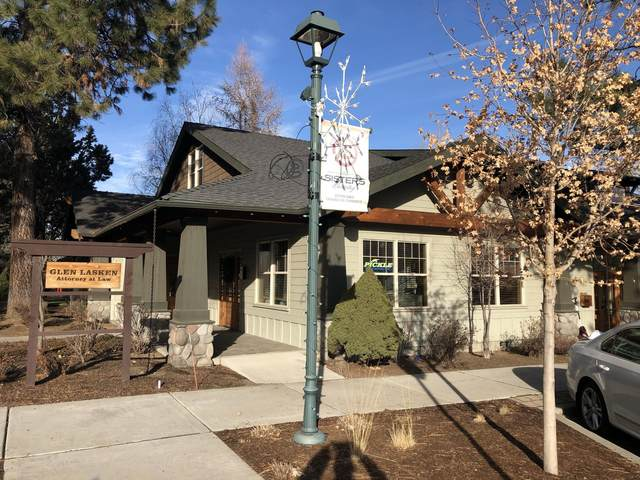 392 W Main Avenue, Sisters, OR 97759 (MLS #220114983) :: Fred Real Estate Group of Central Oregon