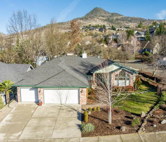 4293 Innsbruck, Medford, OR 97504 (MLS #220115048) :: Bend Homes Now