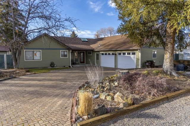 191 NE Marmot Lane, Prineville, OR 97754 (MLS #220115049) :: The Payson Group