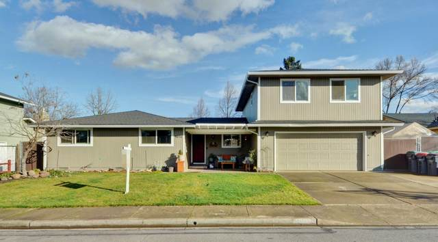 5050 Del Mar Drive, Central Point, OR 97502 (MLS #220115060) :: Bend Relo at Fred Real Estate Group