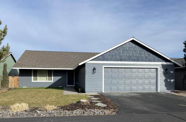 637 SE Conifer Court, Madras, OR 97741 (MLS #220115095) :: Top Agents Real Estate Company