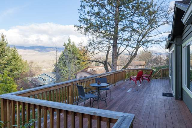 447 Monte Vista Drive, Ashland, OR 97520 (MLS #220115173) :: The Ladd Group