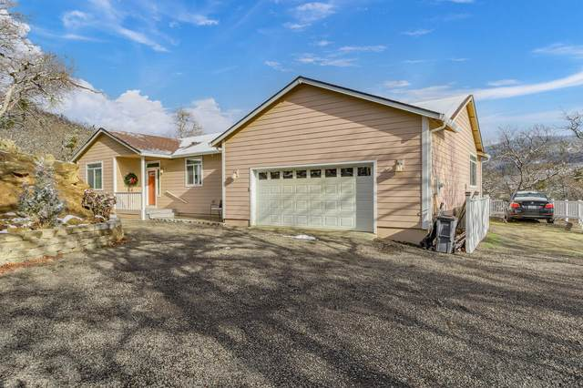 490 Conifer Way, Ashland, OR 97520 (MLS #220115191) :: Team Birtola | High Desert Realty