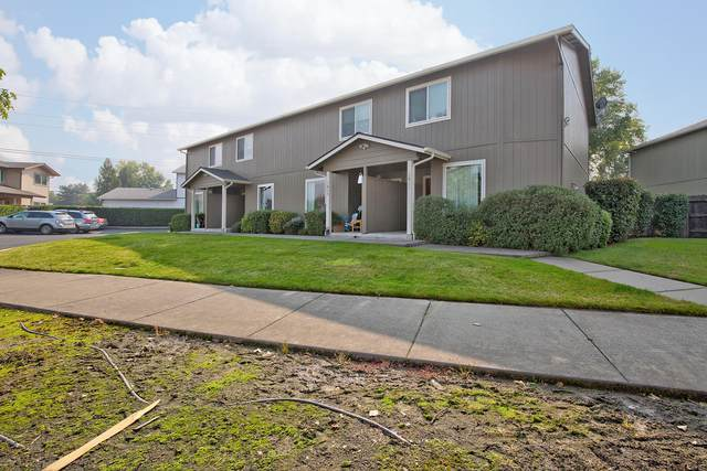 1411 SE M Street, Grants Pass, OR 97526 (MLS #220115235) :: Premiere Property Group, LLC
