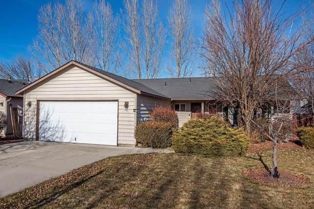 753 NE Nickernut Avenue, Redmond, OR 97756 (MLS #220115250) :: Coldwell Banker Sun Country Realty, Inc.