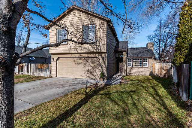 2745 SW Reindeer Court, Redmond, OR 97756 (MLS #220115305) :: Coldwell Banker Sun Country Realty, Inc.
