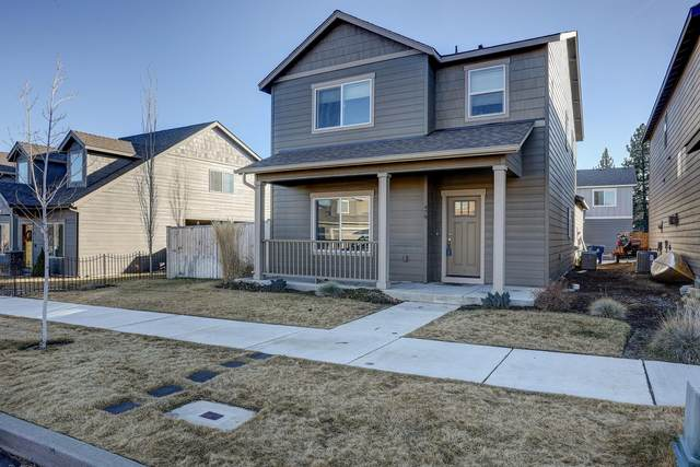 479 SE Glengarry Place, Bend, OR 97702 (MLS #220115329) :: Premiere Property Group, LLC