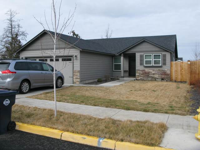 3757 SW Pumice Place, Redmond, OR 97756 (MLS #220115350) :: Bend Homes Now