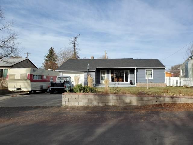1020 NE Allen Avenue, Prineville, OR 97754 (MLS #220115371) :: Fred Real Estate Group of Central Oregon