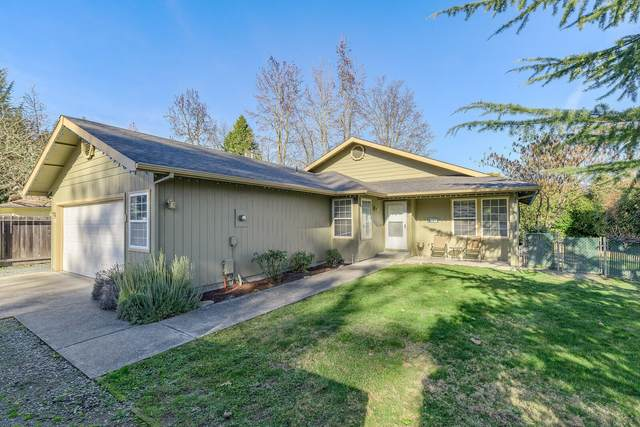 1624 Drury Lane, Grants Pass, OR 97527 (MLS #220115413) :: Top Agents Real Estate Company
