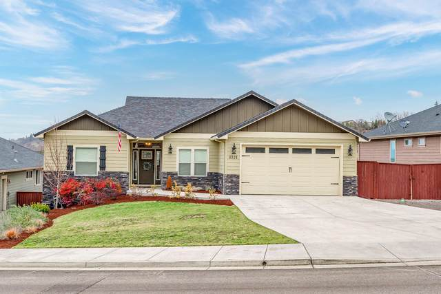 1321 Poppy Ridge Drive, Eagle Point, OR 97524 (MLS #220115477) :: Keller Williams Realty Central Oregon