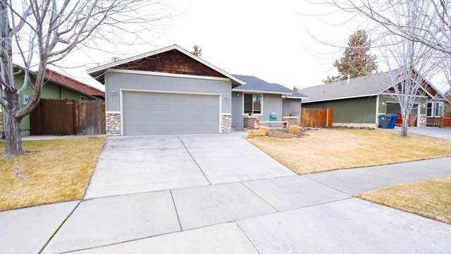 20581 Prospector Loop, Bend, OR 97702 (MLS #220115482) :: Fred Real Estate Group of Central Oregon