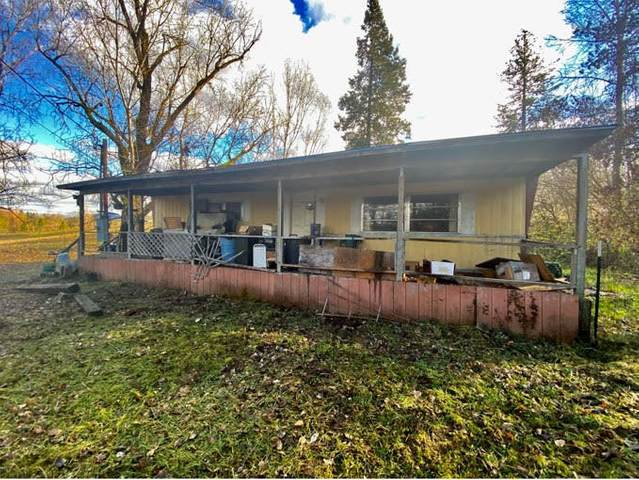 4607 Redwood Avenue, Grants Pass, OR 97527 (MLS #220115483) :: The Ladd Group