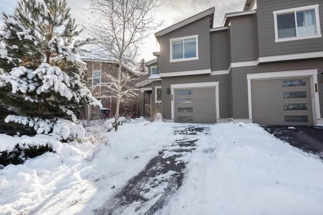 2359 NW Debron Lane, Bend, OR 97703 (MLS #220115497) :: Premiere Property Group, LLC