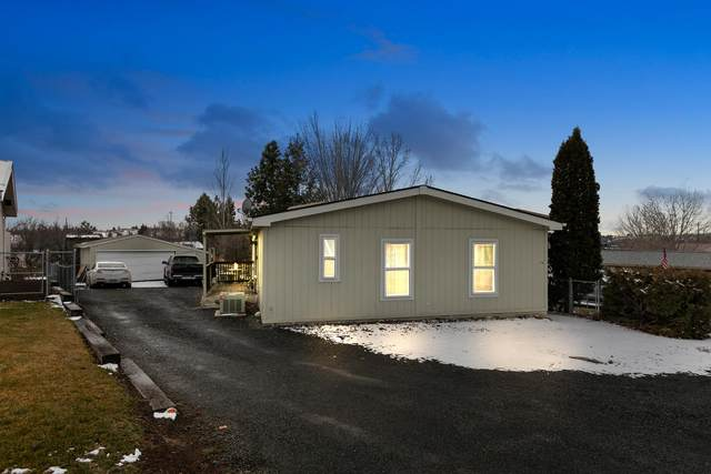 175-SE SE J Street, Madras, OR 97741 (MLS #220115511) :: Premiere Property Group, LLC