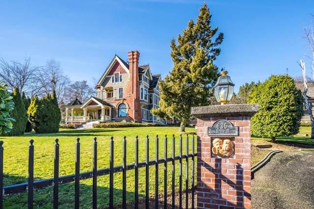 635 N Oregon Street, Jacksonville, OR 97530 (MLS #220115550) :: Central Oregon Home Pros