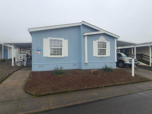 120 W River Ridge Avenue, Roseburg, OR 97471 (MLS #220115559) :: Top Agents Real Estate Company