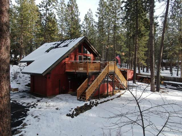 19095 Obsidian Road, Bend, OR 97702 (MLS #220115563) :: Fred Real Estate Group of Central Oregon