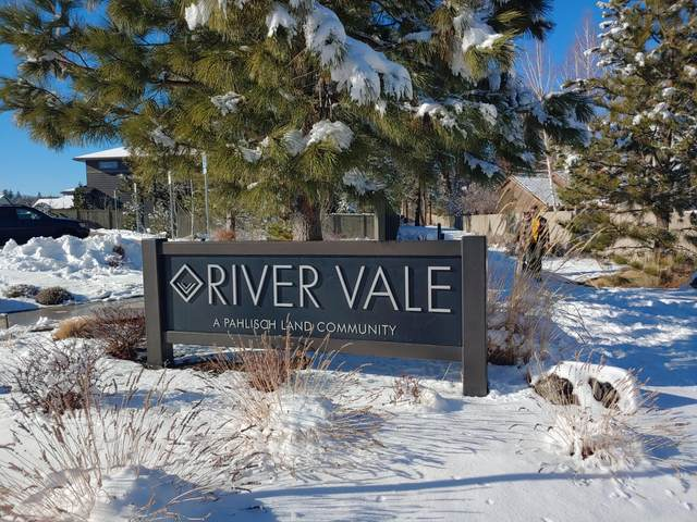 60872 River Rim Drive, Bend, OR 97702 (MLS #220115585) :: Team Birtola | High Desert Realty
