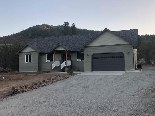 12836 Shamrock Lane, Klamath Falls, OR 97601 (MLS #220115589) :: Vianet Realty