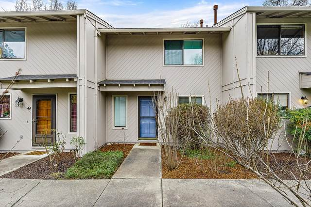 1327 Maple Leaf Court Apt 4B, Medford, OR 97504 (MLS #220115600) :: Team Birtola | High Desert Realty