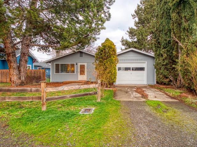 102 Fairview Street, Talent, OR 97540 (MLS #220115635) :: Berkshire Hathaway HomeServices Northwest Real Estate