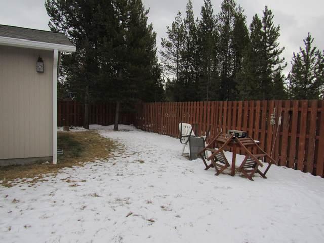 16495 Betty Drive, La Pine, OR 97739 (MLS #220115836) :: Coldwell Banker Bain